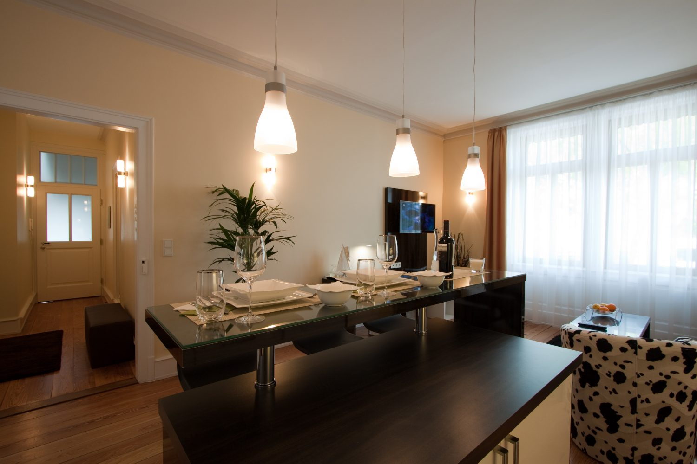 Ap.-2-living-room-e1490878439385